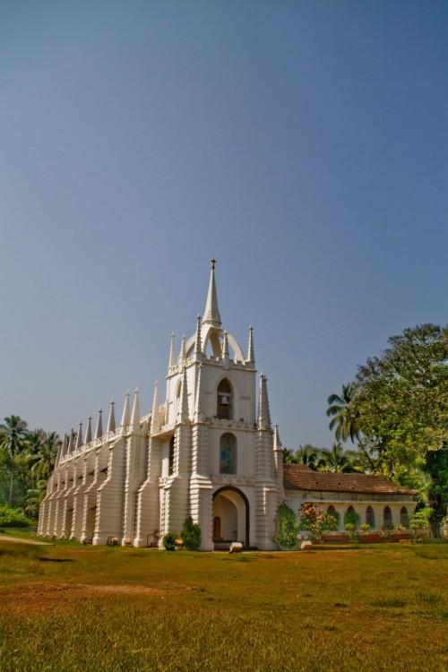 Mae de Deus church - Saligao Vertical shot